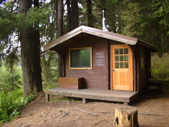 Camping at admiralty cove cabin ak for Camp gioia ohio cabine
