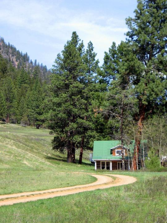 Camping At HOGBACK HOMESTEAD MT