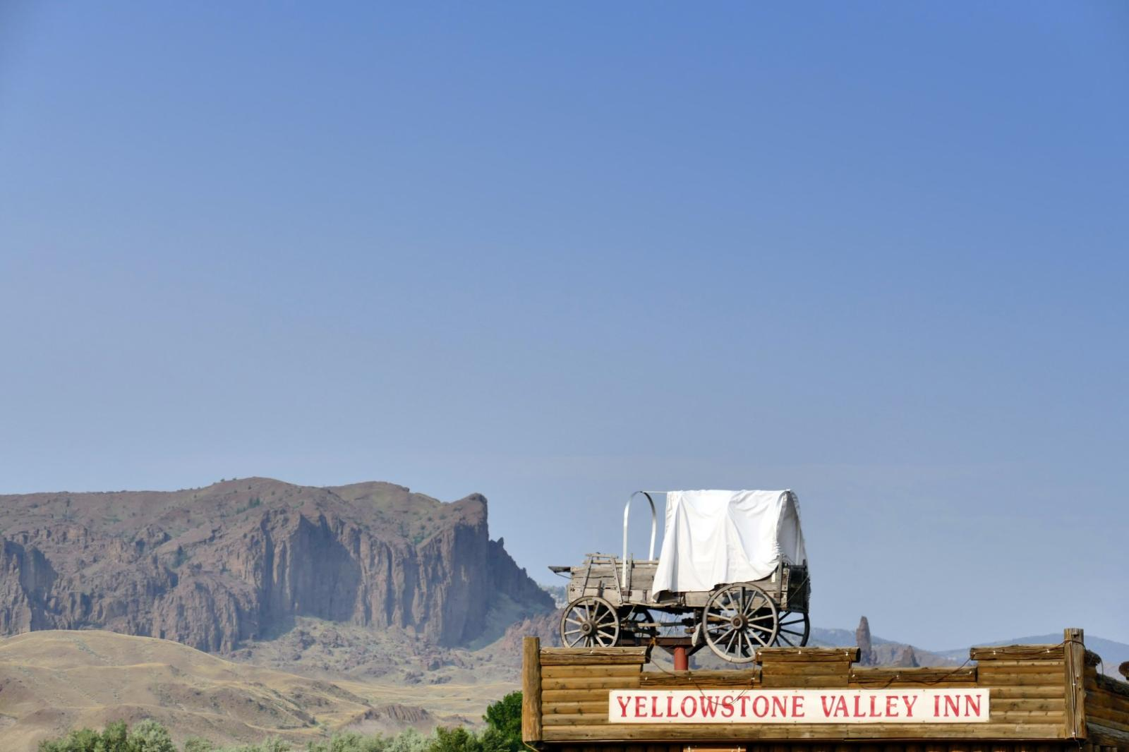 Yellowstone Valley Inn and RV Park, Wyoming - Camping